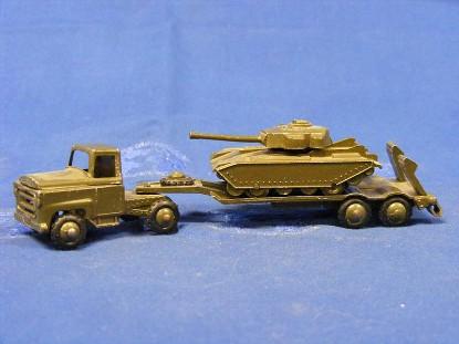 iinternational-lowboy-with-centurion-tank-budgie-BUD222