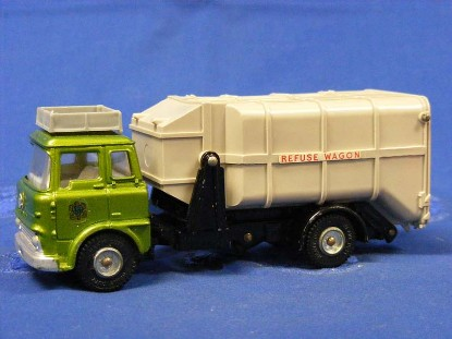 bedford-refuse-truck-metallic-green-cab-dinky-DIN978.2