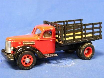 international-kb-12-stakebed-1947-us-model-mint-UMM28