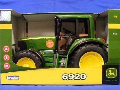 Picture of John Deere 6920 tractor