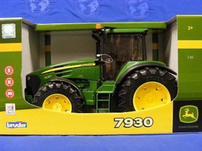 Picture of John Deere 7930 tractor