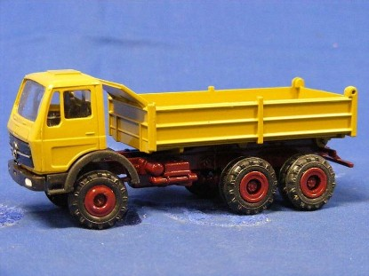 Picture of MB dump truck  green