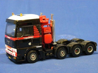 Picture of MAN 8x4 tractor MAMMOET