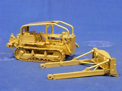 Picture of D7 dozer with ripper brass