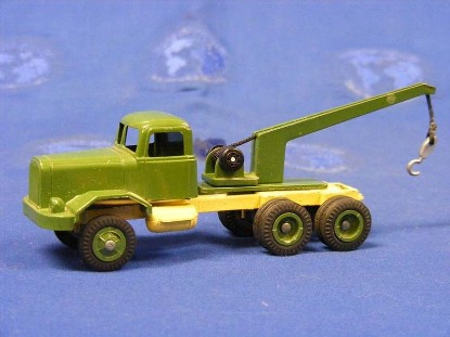 Picture of Autocar tow truck