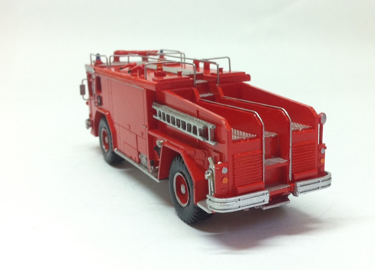 Picture of Walter CB3000 fire crash truck red