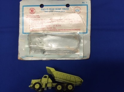 Picture of Euclid R40 dump truck