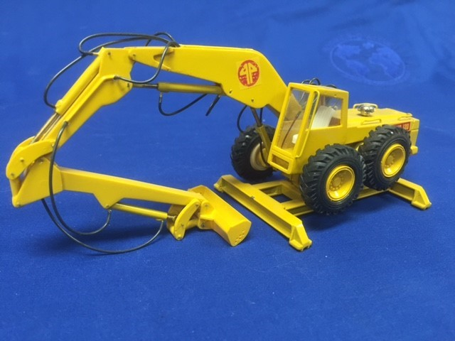 Picture of Pingon Sitting Bull 120/14C wheel excavator