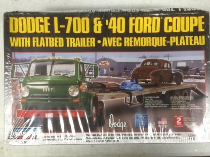Picture of Dodge L-700 tilt cab+flatbed+40 Ford Coupe