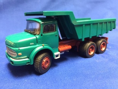 Picture of MB LAK2624 dump with quarry rock body green