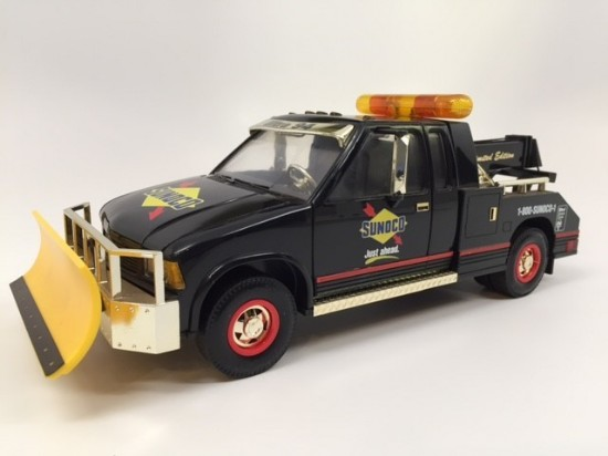 Picture of 1996 Sunoco Tow Truck w/ plow (3rd in Series) GOLD