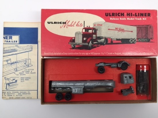 Picture of Mack 2-axle Tractor w/ tanker trailer