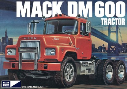 Picture of Mack DM600 tractor