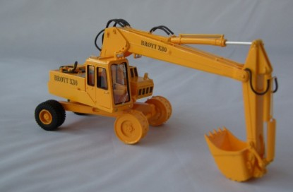 Picture of Broyt X30 wheel excavator - yellow early cab
