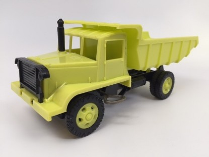 Picture of Euclid 15 ton rear dump truck - yellow