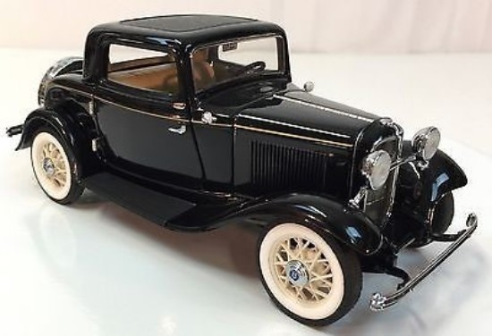 Picture of 1932 Ford Deuce Coupe - Black