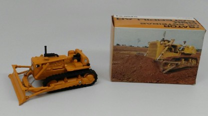 Picture of Caterpillar D8K Dozer with black tracks