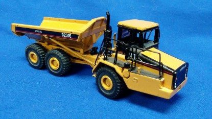Picture of Cat D250E II articulated dump truck