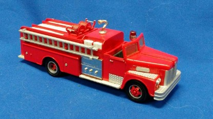 Picture of Maxim fire pumper- open cab red