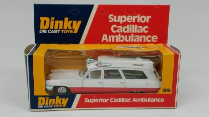 Picture of Cadillac Superior ambulance r/w