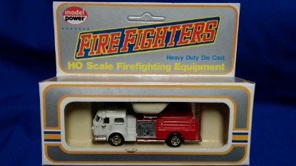 Picture of American Lafrance fire pumper white/red