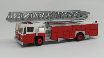Picture of Emergency-One 2 axle Ladder Truck 4 section 110'