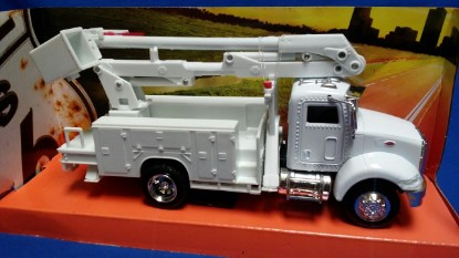 Picture of Peterbilt  line maintenance bucket truck