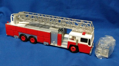 Picture of Emergency-One 3 section ladder with basket 95' 3x