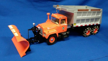 Picture of Mack R-Model Dump Truck with Plow,  PA Turnpike  silver dump box