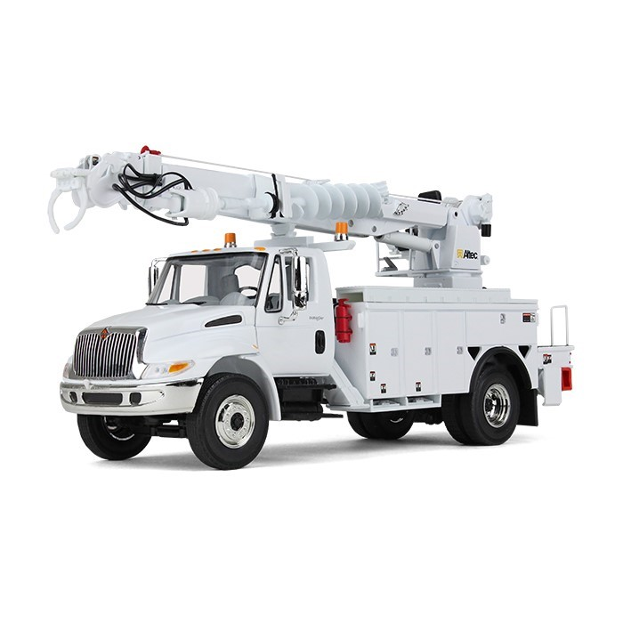 IH Durastar with Altec digger derrick body - white