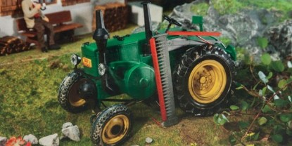 Picture of Lanz Bulldog tractor with mower