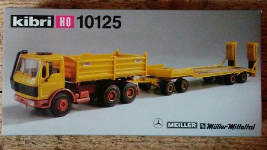 Picture of Mercedes dump + Muller Mitteltal tag trailer