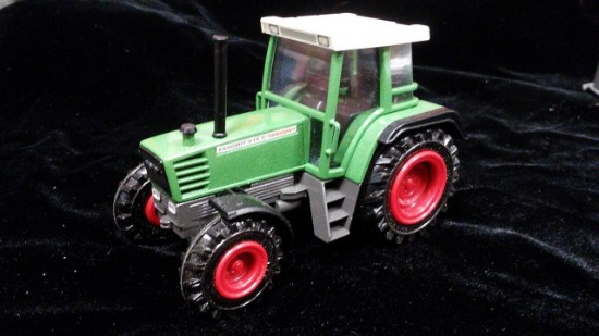 Picture of Fendt Favorit 514C Turboshift farm tractor