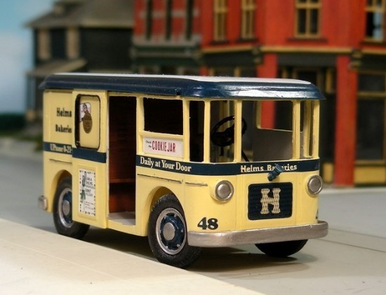 Picture of Divco 1929-48 Twin Coach delivery van HELMS BAKERIES