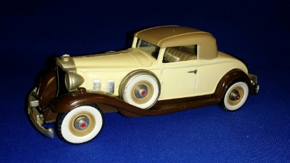 Picture of 1932 Packard coupe light beige