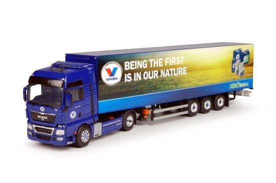 Picture of MAN TGX XXL with  box trailer  VALVOLINE