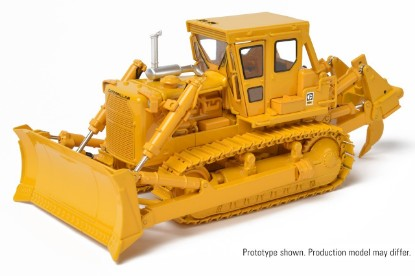 Picture of Cat D8K dozer  S-blade with single shank ripper