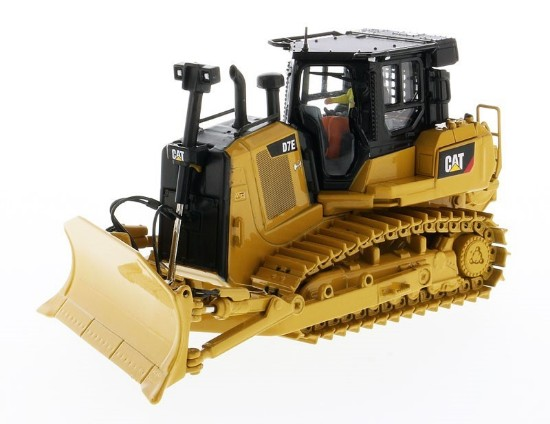 Picture of Caterpillar D7E pipeliner dozer with winch