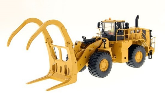 Picture of Caterpillar 988K wheel loader with grapple