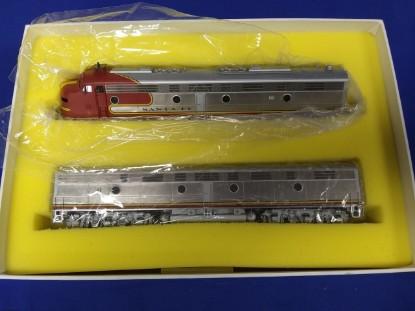 Picture of ATSF Santa Fe EMD E8 E8A E8B Diesel Set