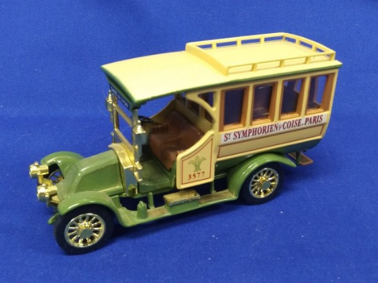 Picture of 1910 Renault Motor Bus