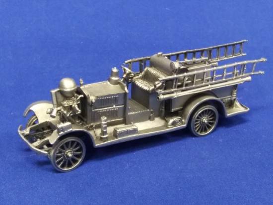 Picture of Ahrens Fox RK pumper fire engine - pewter