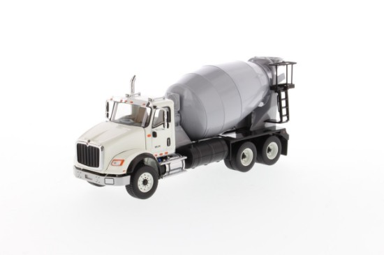 Picture of International HX615 concrete mixer - white/light gray