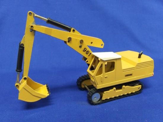 Picture of Liebherr 961 track excavator  yellow  (Strenco version)