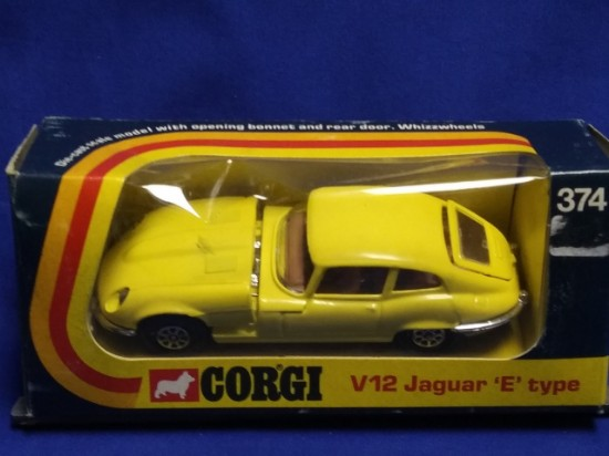 Picture of Jaguar E type  V12  - yellow