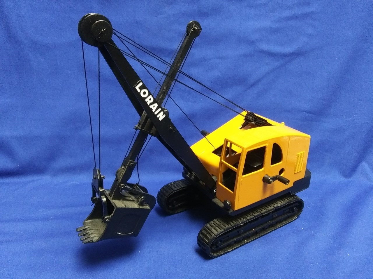 Picture of Lorain TL25 cable shovel (restored)