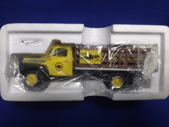 Picture of Ford 1951 F-6 Full Rack Stake Truck -Pennzoil
