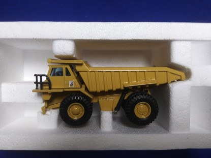 Picture of Caterpillar 773B mine dump  new Cat color C-logo