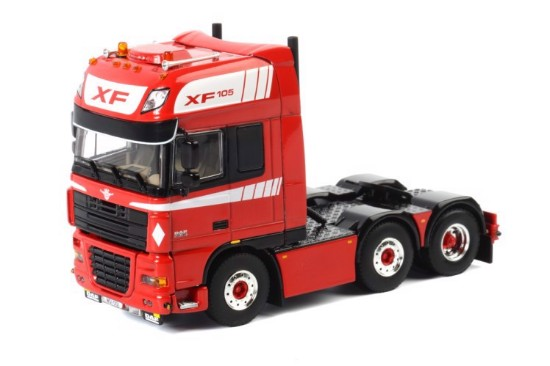 Picture of DAF XF 105 SUPER SPACE CAB - red