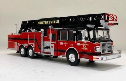Picture of 2014 SMEAL 105' Aerial fire Ladder: Huntersville, N.C. FD